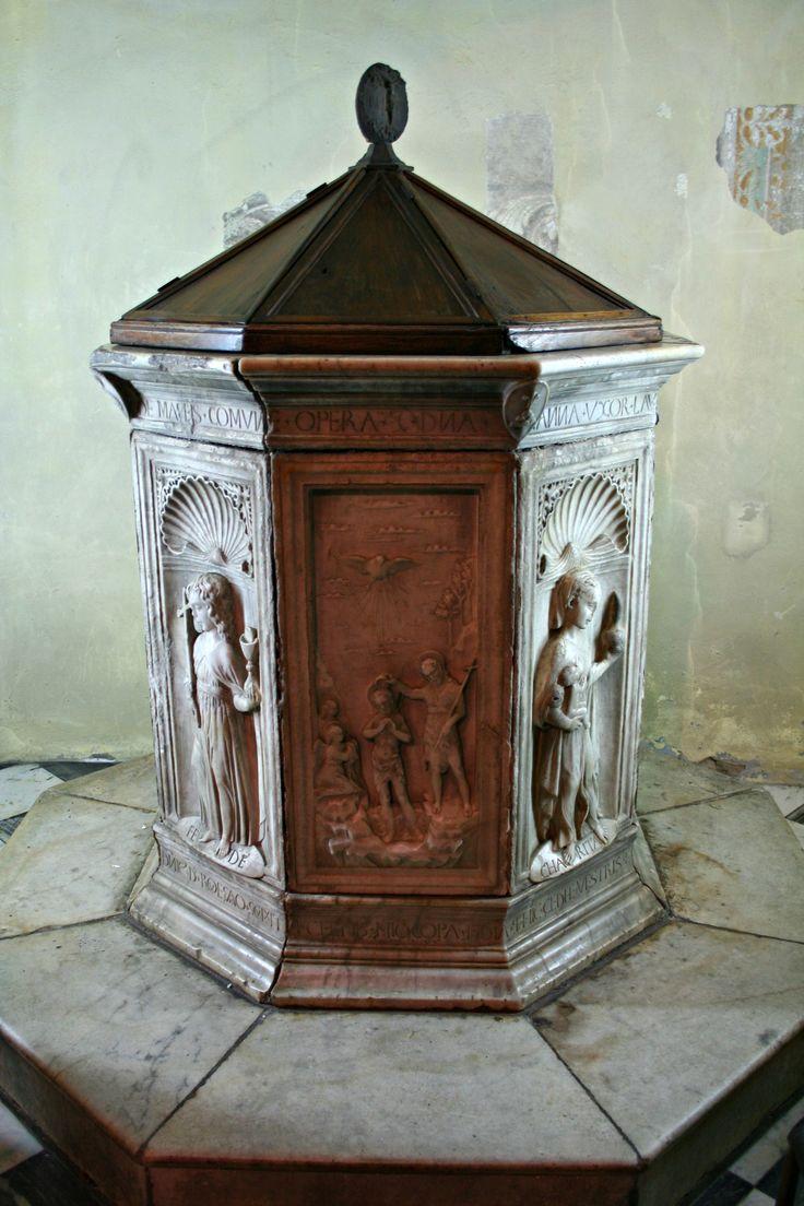 https://upload.wikimedia.org/wikipedia/commons/4/41/Fonte_battesimale_di_Domenico_Rosselli,_1468.jpg