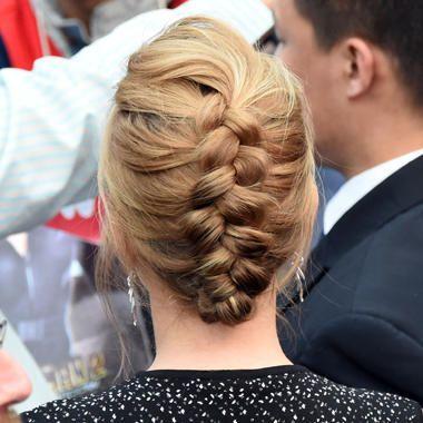 La treccia alla francese e raccolta di Scarlett Johansson / capelli / Home page - Cosmopolitan