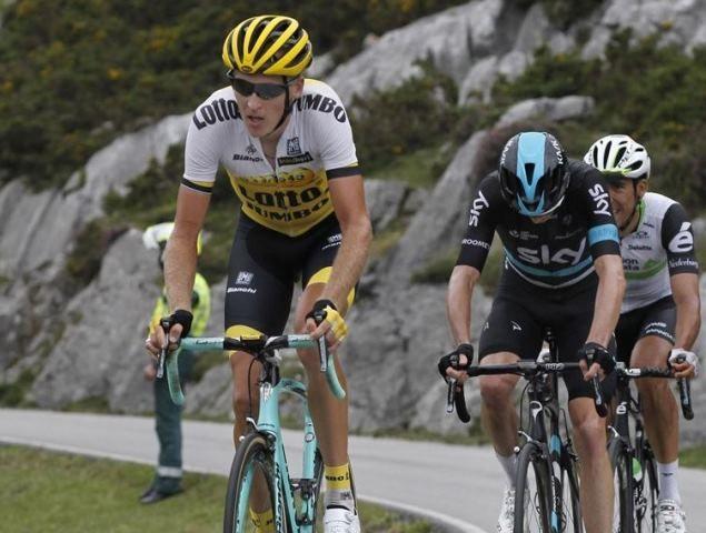 Крис Фрум, Роберт Гесинк и Омар Фраиле о 10-м этапе Вуэльты Испании-2016 http://velolive.com/velo_race/vuelta/12907-chris-froome-robert-gesink-i-omar-fraile-o-10-m-etape-vuelta-a-espana-2016.html  Капитан британской команды Sky Крис Фрум (Chris Froome) на финальном подъёме Лагос-де-Ковадонга 10-го этапа Вуэльты Испании-2016 финишировал 3-м и вернул себе третью позицию в генеральной классификации. Хотя британский гонщик выпал в начале подъёма, он вернулся и прошёл своих соперников, уступив…