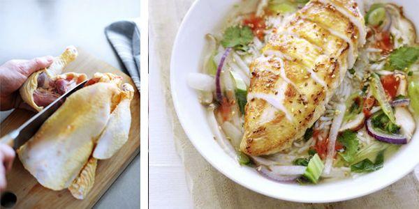 Een krokant gebakken kip. Is er iets lekkerder? Nee, niet echt. Maar als je er een geurige oosterse bouillon met citroengras, gember en limoenblad aan toevoegt maak je het allemaal nóg smakelijker. krokant gebakken kipfilet in oosterse groentebouillon hoofdgerecht | 2 personen 1 hele kip van ± 1½ kg 2 stengels citroengras 10 cm gemberwortel … (Lees verder…)