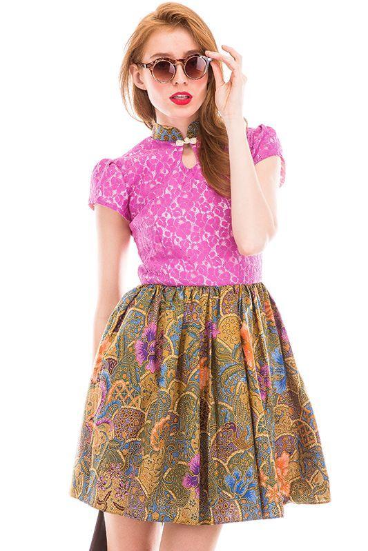 Batik merupakan motif khas yang berasal dari beberapa wilayah di Indonesia, termasuk budaya kebanggaan bangsa yang hingga kini masih tetap eksis dan lestari,