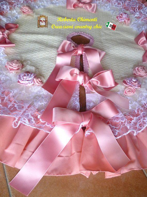 Tappeto shabby-chic rosa per albero di Natale con puntale