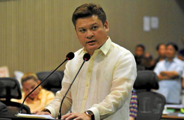 Presidents son Paolo Duterte quits as Davao City vice mayor #philippines #news http://ift.tt/1CijO2m