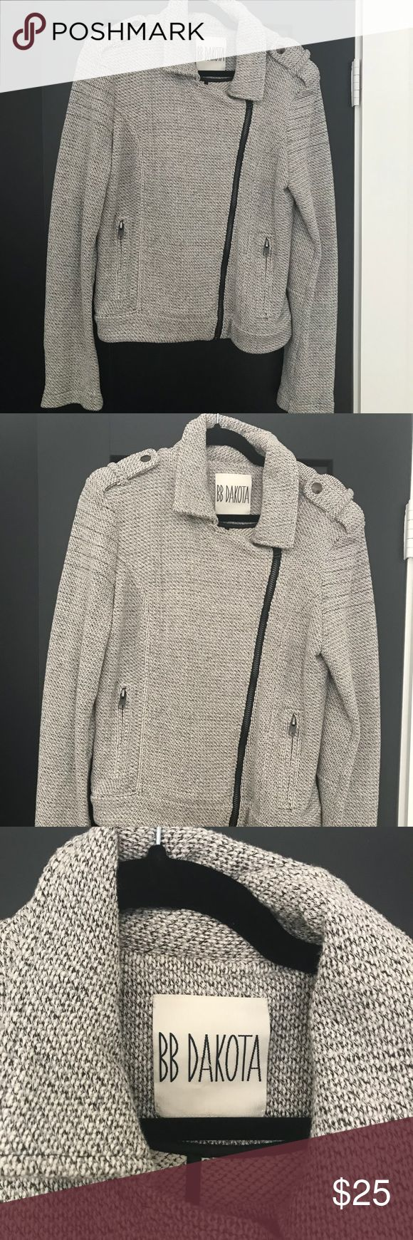 BB Dakota jacket BB Dakota jacket Size medium Black and white BB Dakota Jackets & Coats Utility Jackets