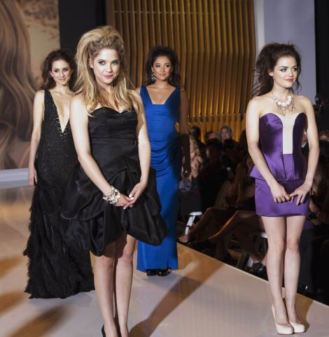 Pretty Little Liars: Episode 2x6 - Charity Fashion Show