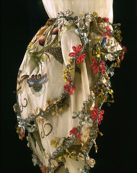 Silk and linen, hand woven and hand sewn in 1735-1749, silver, gold, parchment Engageantes of an 18th century sack back gown ca. 1765. Antonia Roxton wears exquisite sleeve ruffles such as this. AUTUMN DUCHESS