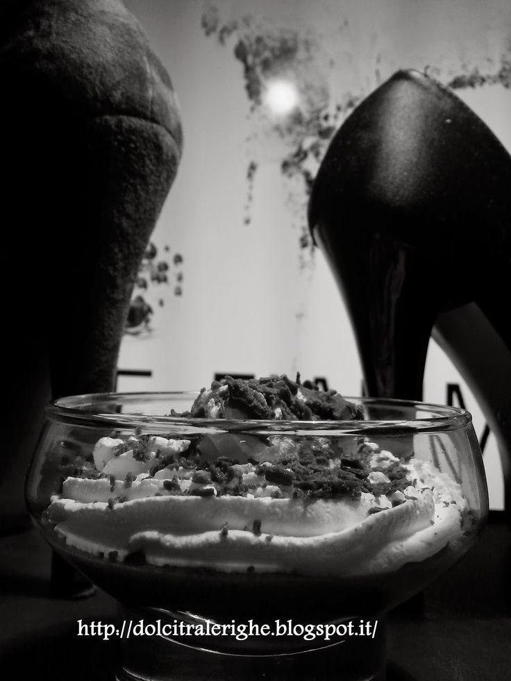 Dolci tra le righe: Serie Passione senza tregua di Maya Banks con Mousse al cioccolato. http://dolcitralerighe.blogspot.it/2014/11/serie-passione-senza-tregua-di-maya.html