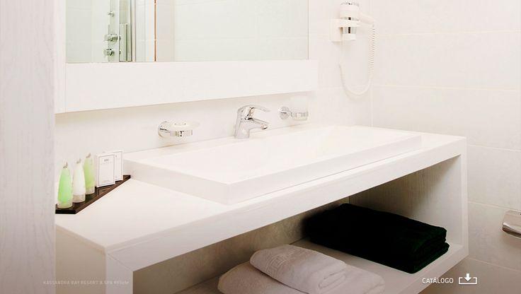 SC145B /// Secador de Cabelo 1800W c/ tomada p/ máq. barbear _Kassandra Bay Hotel Deluxe Suites ©Flickr