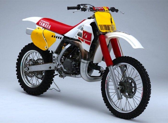 Les 25 meilleures id es de la cat gorie motos motocross for Chambre yamaha