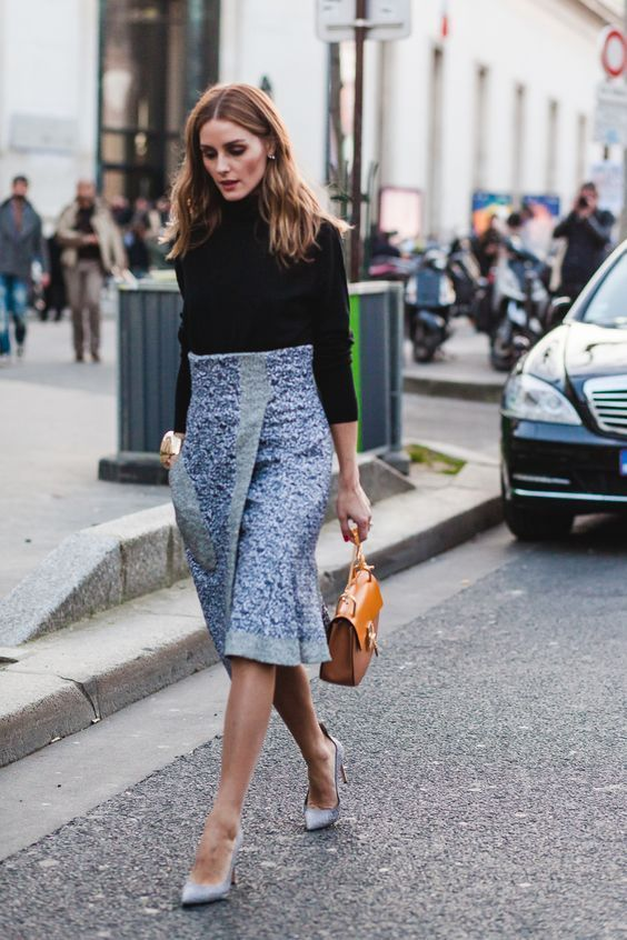 Olivia Palermo Work Outfit #MyStyle #NarrativeStyleOutfits Black Turtleneck High Waisted Skirt Women's Fashion Classy, Women's Style Business, Fashion Blog To Follow, Work Outfits Women, Winter Outfits Women's Fashion Classy, Women's Style Business #OliviaPalermo  #WorkOutfit #NarrativeStyling#SpringOutfits#WinterOutfits#FashionBlog#StyleBlog#BlackTurtleneck #HighWaistedSkirt #WomensFashion#WomensStyle #CuteOutfits #Celebs #CelebStyle
