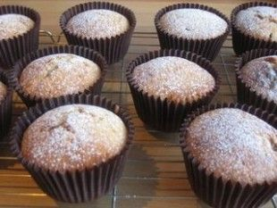 Nigella's mincemeat cupcakes (cupcake with mincemeat in the centre!)