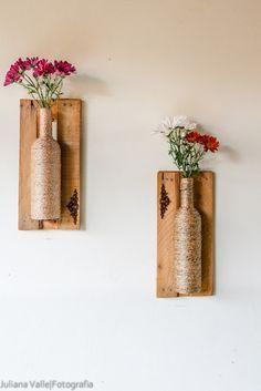 Vasos feitos em garrafas,e com molduras de caixas de feira! Impermeáveis, ótimas para varandas e sacadas! R$ 119,90