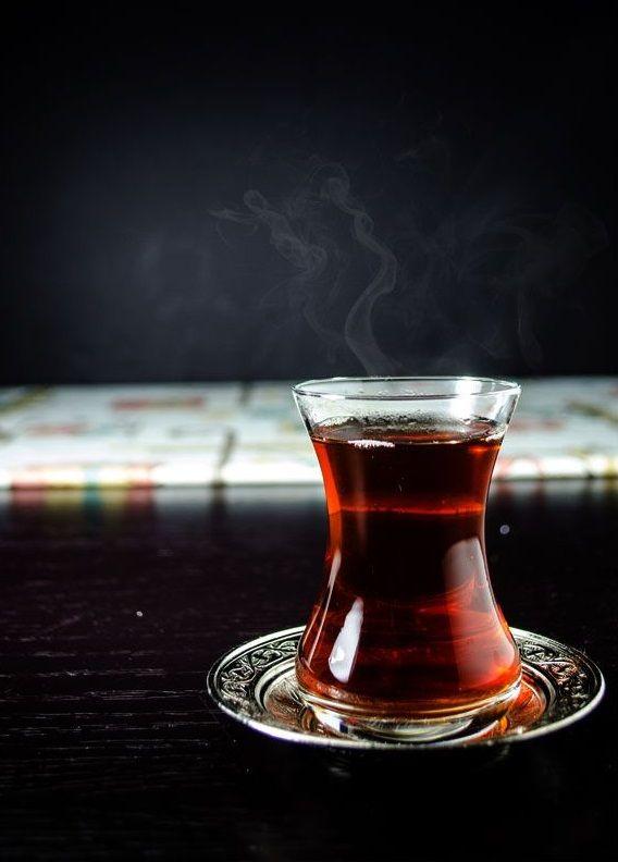Ha a teára gondolunk egyből az angolok jutnak eszünkbe. Pedig Törökországban sokkal jobban szeretik! Sőt annyira, hogy ha valaki vendégségbe érkezik egyből teával kínálják. Kellemes estét kívánunk! UKKO Tea #ukko #ukkotea #magyar #tea