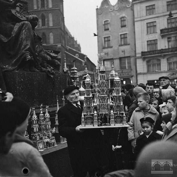 Konkurs szopek krakowskich, Rynek Główny