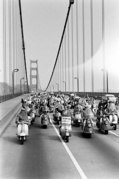 Vintage Scooter Pics of a San Francisco scooter club in the '60s.