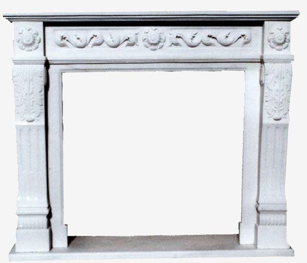 Caminetto in marmo bianco di Carrara con ornato scolpito a mano.  Il camino richiama lo stile settecentesco inglese, molto sobrio, lineare ed elegante. Adatto anche a una casa con l'arredo contemporaneo.