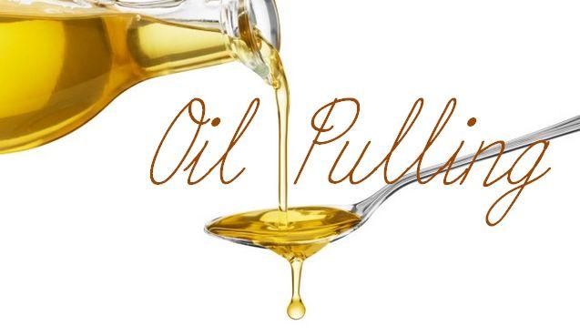 Lo straordinario Oil pulling, a cosa serve e perché fa bene