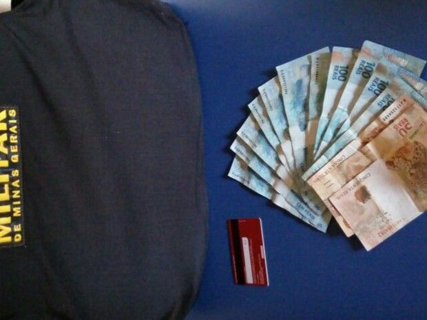 Homem furta cartão de idoso e é preso após deixar nome no banco no Norte de Minas