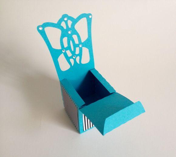Caixa cadeira Tiffany.