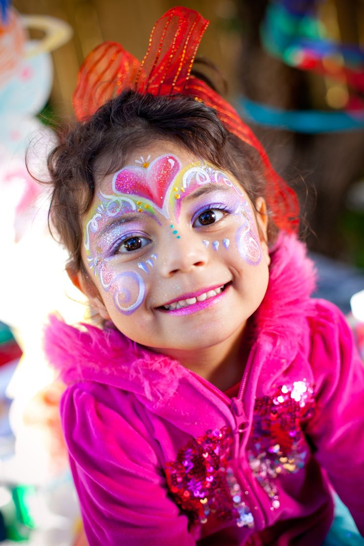 Heart Princess face painting design, by Brisbane face painter, Fairy Sparkles Face Painting.