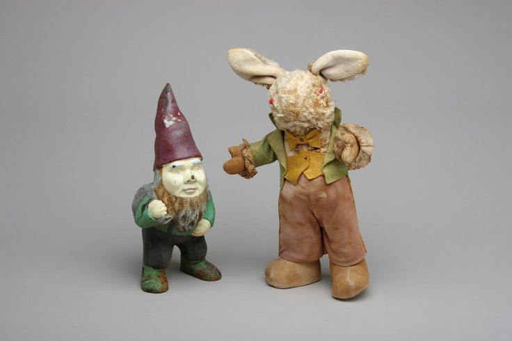 These BFF's are looking for a new home. Hughes Estate Sales. #EstateLiquidation #ConsignmentSales