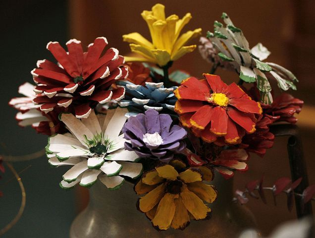 Victory Baptist Church in Hampton | MCTPainting pinecones to look like flowers is an artistic craft that ...