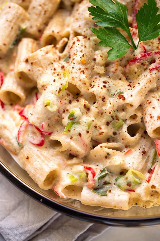 Vegane Pasta Alfredo mit Blumenkohl