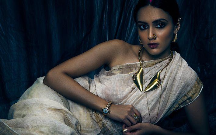 Download wallpapers Aishwarya Desai, Indian actress, Bollywood, photoshoot, traditional Indian jewelry, Indian sari, makeup, brunette