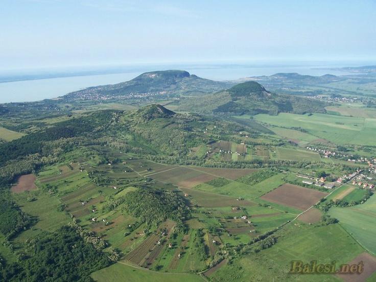 Balatongyörök, Szigliget, Badacsony, Gulács, Tóti-hegy és többiek egy képen - háttérben pedig a Balcsi...