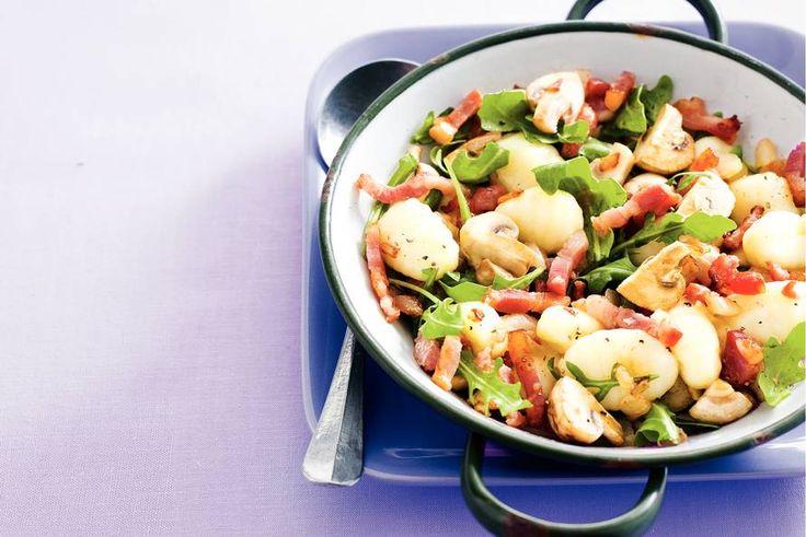 Kijk wat een lekker recept ik heb gevonden op Allerhande! Gnocchi met spek en champignons
