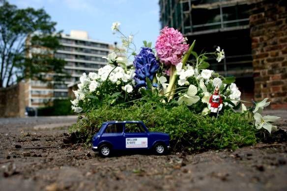 Guerrilla Gardening: l'uomo che trasformava le buche in mini-giardini fioriti
