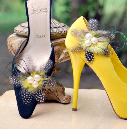 Classy Polka Dot Feather shoe clip - $43.00....they are back....