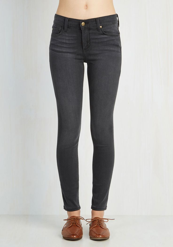 Solid Sense of Style Jeans in Grey. Flaunt your flawless tastes by centering your ensemble around these dark grey skinnies! #grey #modcloth