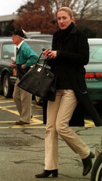 Carolyn Bessette-Kennedy with an Hermes Birkin