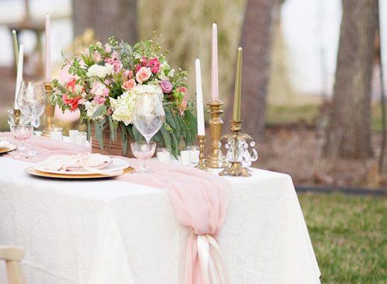 14 jolies manières de jeter du rose poudré dans votre décoration de mariage