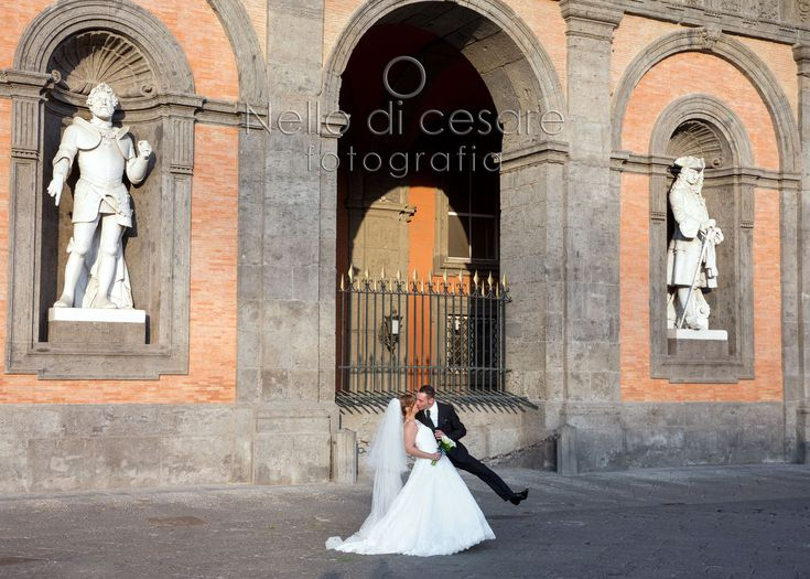 Happy #newlyweds!  #nellodicesarephotographer #wedding #naples #palazzoreale #piazzaplebiscito #love