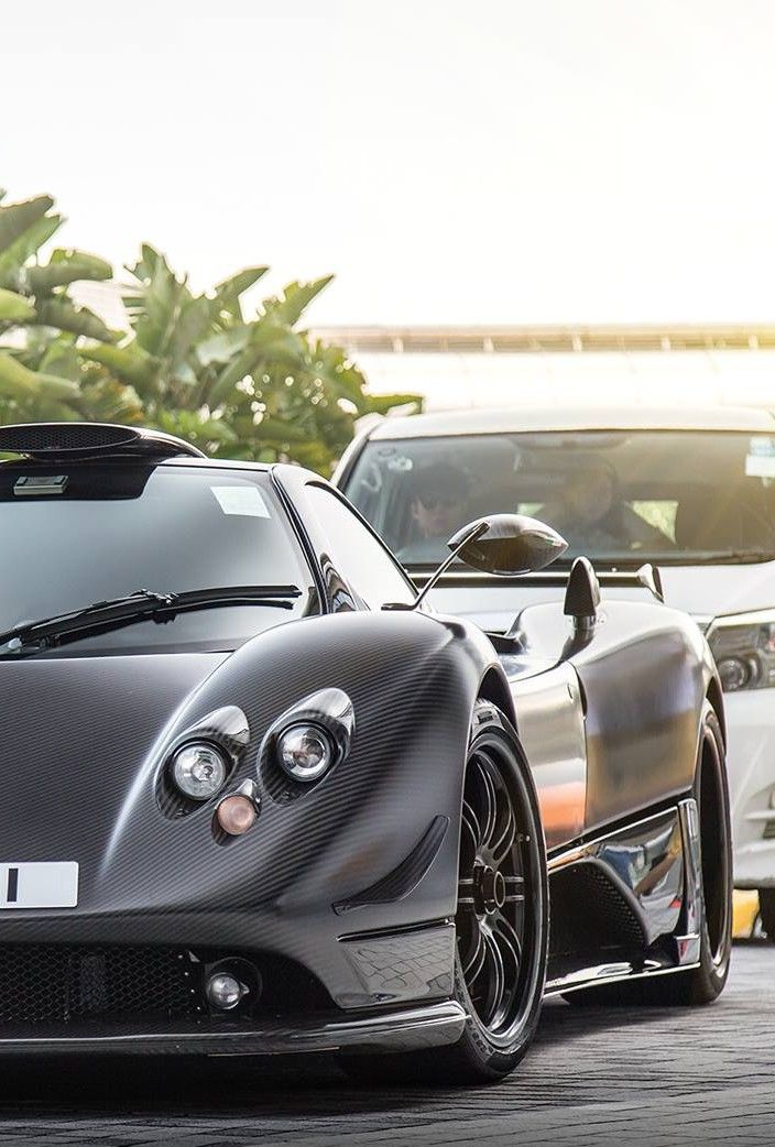 Beau The Pagani Zonda Can Accelerate From 0   100 Km/h Mph) In Just Seconds (for  The Pagani Zonda R) And Has A Top Speed Of 350 Km/h Mph).