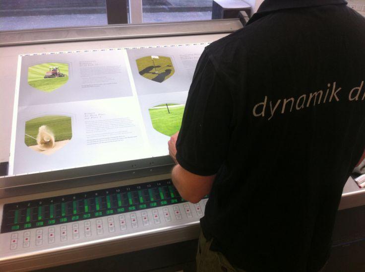 Steuerpult DIN A1 Druckmaschine www.dynamik-druck.de