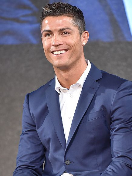 Cristiano Ronaldo Finds Woman's Lost Cell Phone in Vegas, Treats Her to Dinner http://www.people.com/article/cristiano-ronaldo-returns-womans-wallet