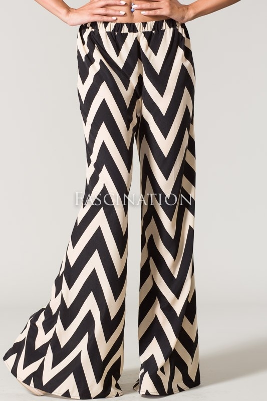 Hello to chevron pants!! Love that Palazzo pants are trending in the South!