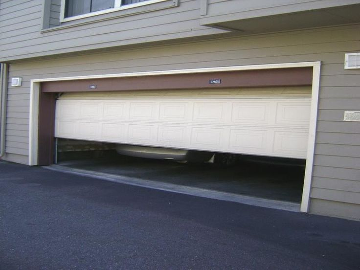 garage door opens sliding