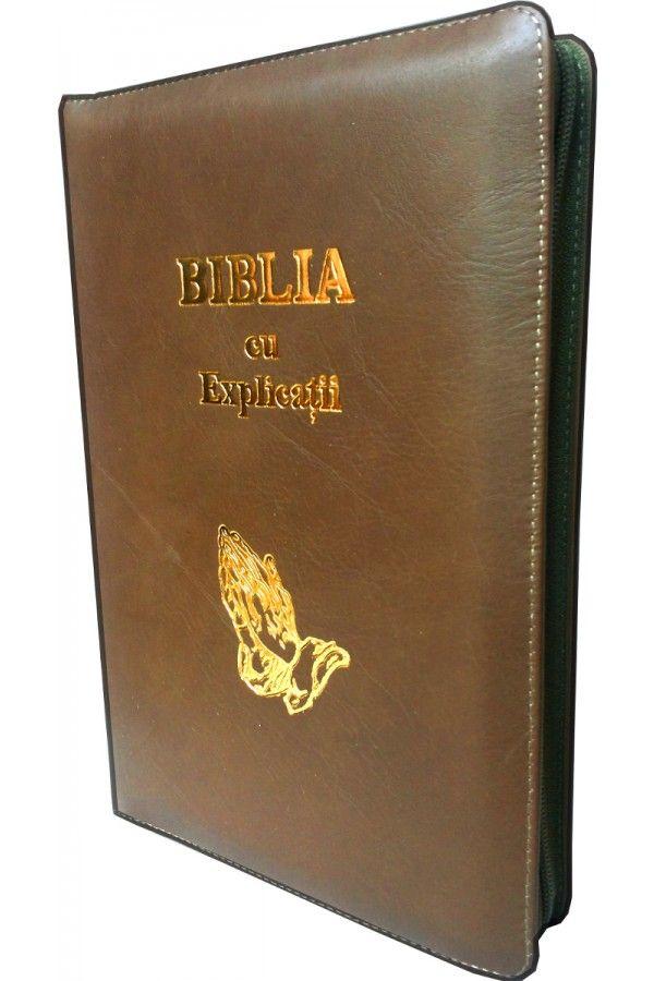 Biblia cu explicatii si concordanta, din piele, maro, cu fermoar, cu maini [77 PFR]