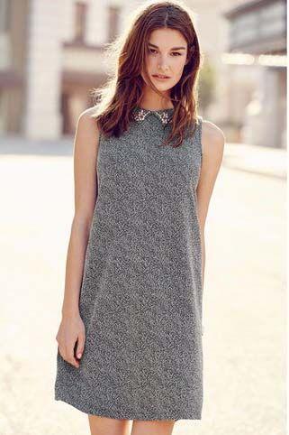 Une petite robe grise pour l'hiver