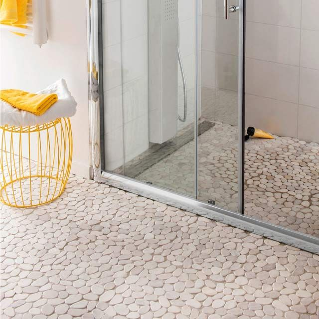 les 15 meilleures images du tableau frise en galets salle de bain sur pinterest galet salle de. Black Bedroom Furniture Sets. Home Design Ideas