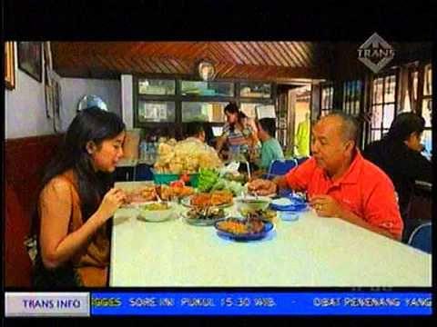 Depot Soto Rampal [Wisata Kuliner - Malang] [Bondan Winarno & Caca Federica] #Kuliner - YouTube