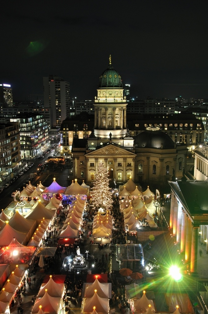 berliner weihnachtsmarkt gendarmenmarkt bild foto von. Black Bedroom Furniture Sets. Home Design Ideas