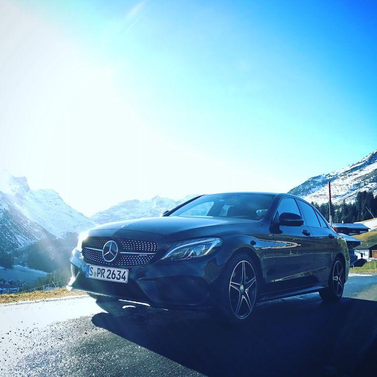 Mercedes-AMG C 43 eftersom körning vintertid borde vara lika säker som spännande.  #MBPhotoCredit: Lukas-Pierre Bessis