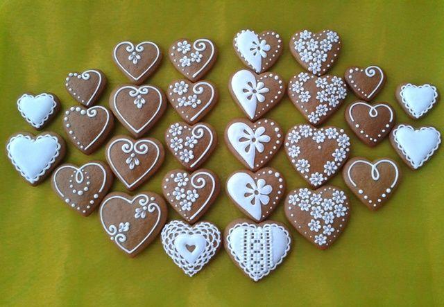 srdiečka - valentínky, z lásky, Aj v malom je kus veľkej lásky. (heart) Inšpirujte sa pri zdobení šikovnými medovnikárkami.