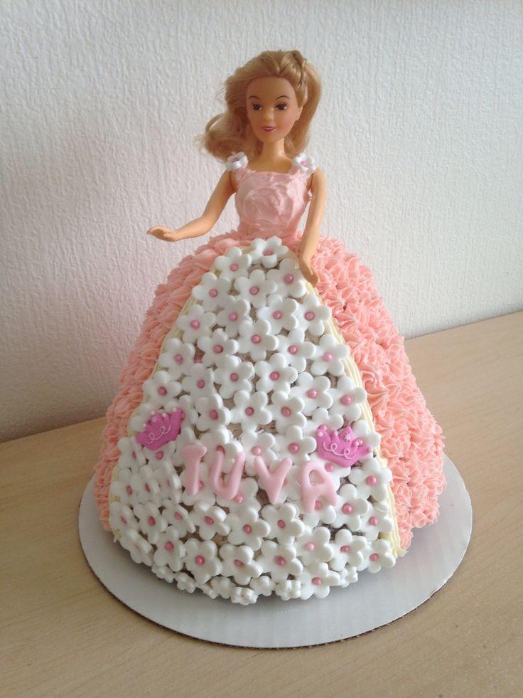 Barbie sjokoladekake med lag av Hvit sjokolade med oreo & melkesjokolade krem