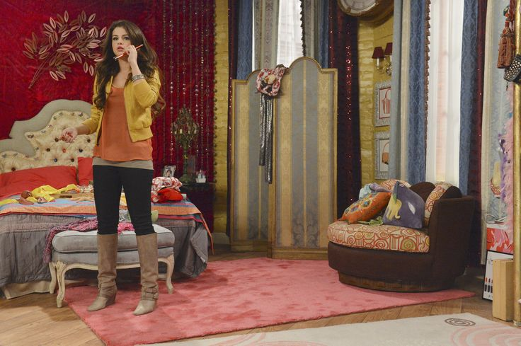 The Wizards Of Waverly Place Will Return In March Alex Russo Selena And Gomez